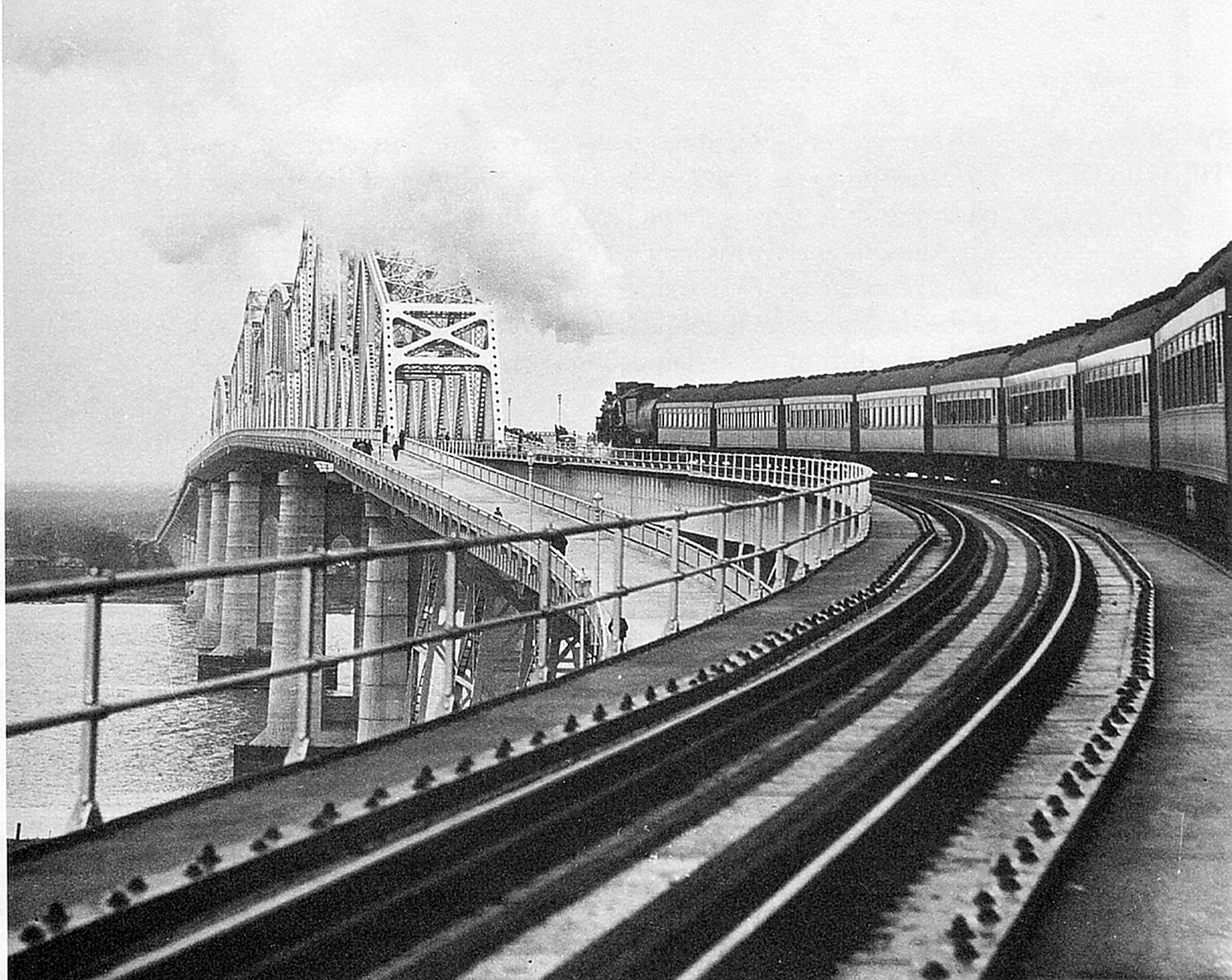 Huey P. Long bridge in 1935